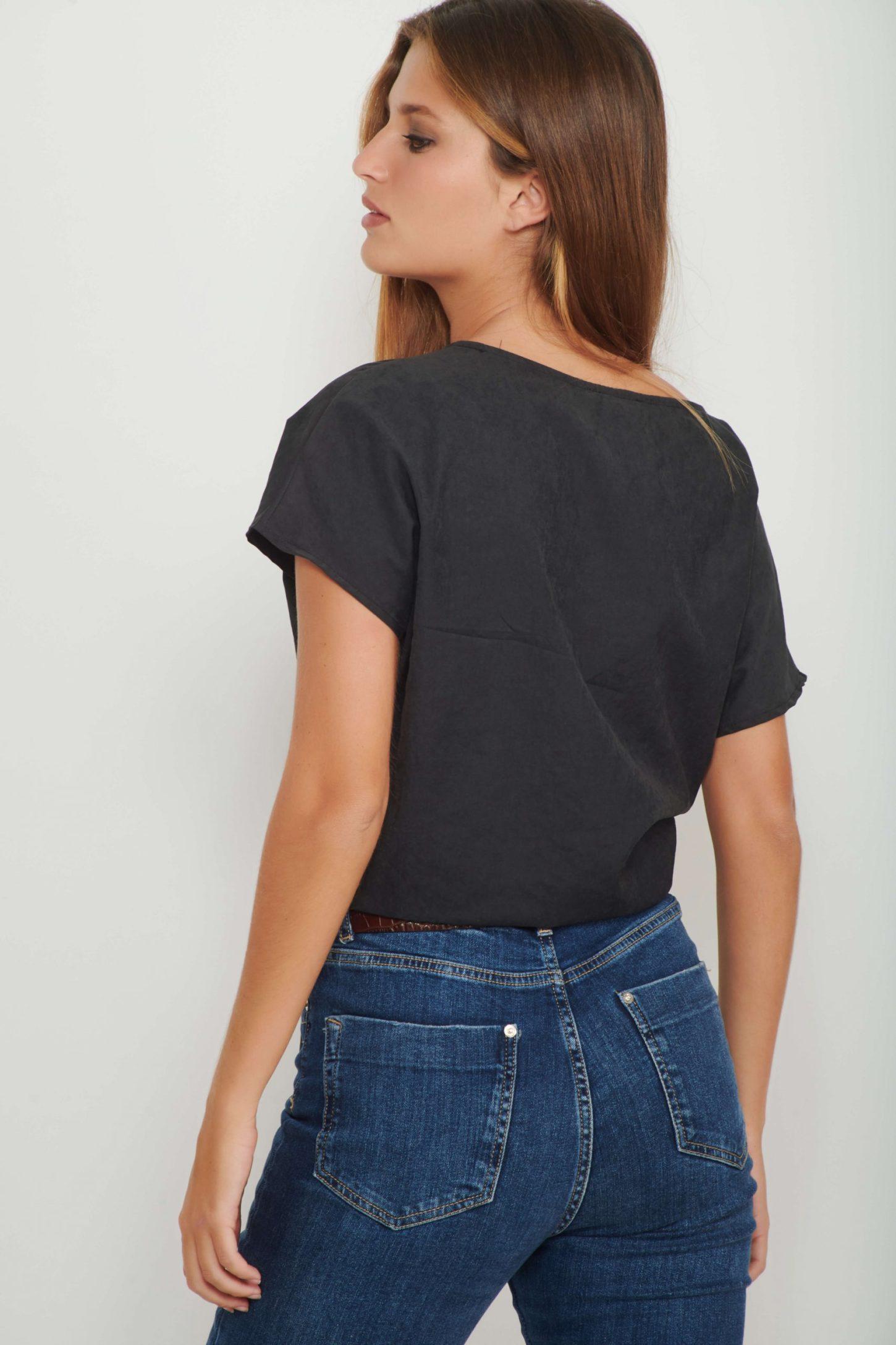 חולצת Black Cupro Bow לנשים