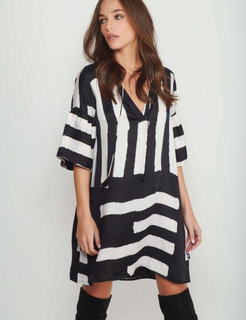 שמלת Black Brush Stroke לנשים